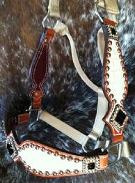 Bling bronc halter with cheeks.