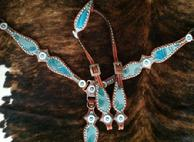 Bling tack set w/ single ear headstall.
