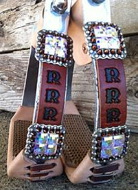 Bling aluminum barrel stirrups.
