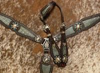 Bling Tack set. Buck stitched w/ single ear.